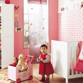 11 Fantastic Baby Nursery Design Ideas by Vertbaudet Pink Wall Polkadot