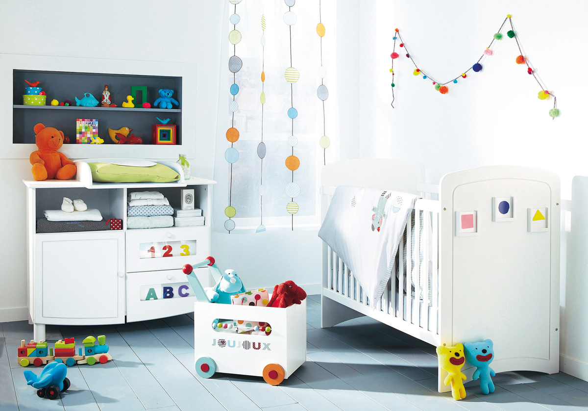 11 fantastic baby nursery design ideas by vertbaudet white Nursery wall ideas