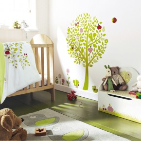 11 Fantastic Baby Nursery Design Ideas by Vertbaudet White Green Tree Wall