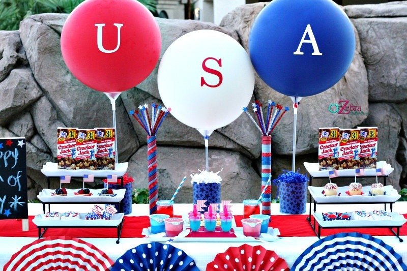 20 July 4th Table Centerpieces