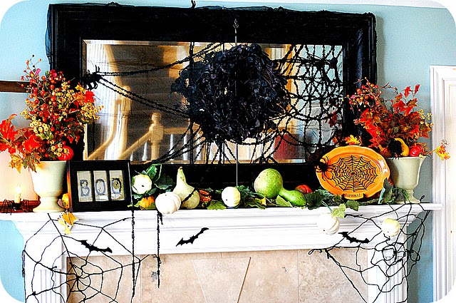 50 awesome halloween decorating ideas fire place with for Awesome halloween decoration ideas