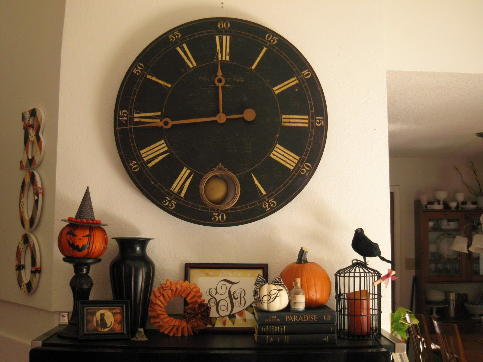 50 Awesome Halloween Decorating Ideas Fireplace with Wood Wall Clocks ...
