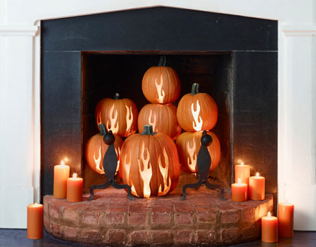 50 awesome halloween decorating ideas fireplace pumpkins for Awesome halloween decoration ideas