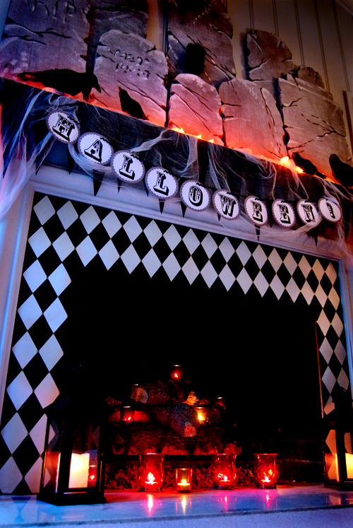 50 awesome halloween decorating ideas fireplace black for Awesome halloween decoration ideas