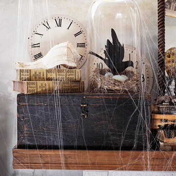 50 awesome halloween decorating ideas fireplace cobwebs for Awesome halloween decoration ideas