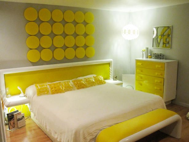Bright bold yellow bedroom  decoratingroom.net