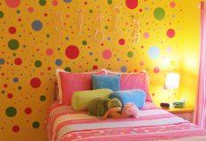 20 Polka Dot Walls Bedroom Ideas