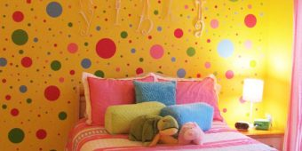 20 Polka Dot Walls Bedroom Ideas