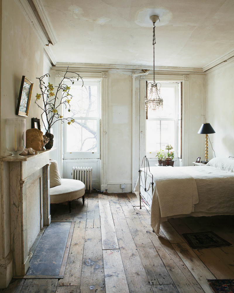Antique bedroom design interior design center inspiration for Modern vintage bedroom designs