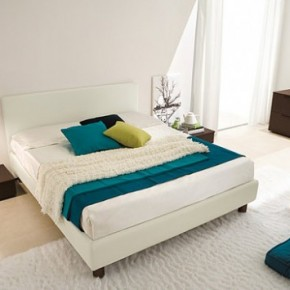 Bright Beautiful Modern Style Bedroom Designs White Bed Cream Floor