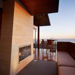 Careful Space Planning Tropical House Balcony Town View