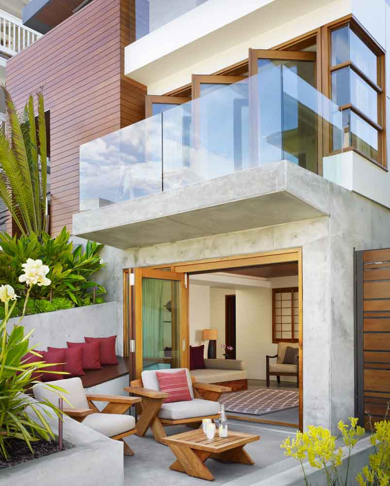 Careful Space Planning Tropical House Garage View: Careful Space Planning Tropical House Terrace And Balcony