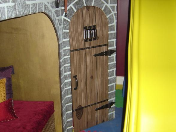 Very Best Castle Door Ideas 588 x 441 · 90 kB · jpeg