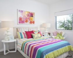 20 Colorful Bedrooms with White Walls