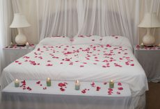 20 Romantic Valentines Day Bedroom Ideas