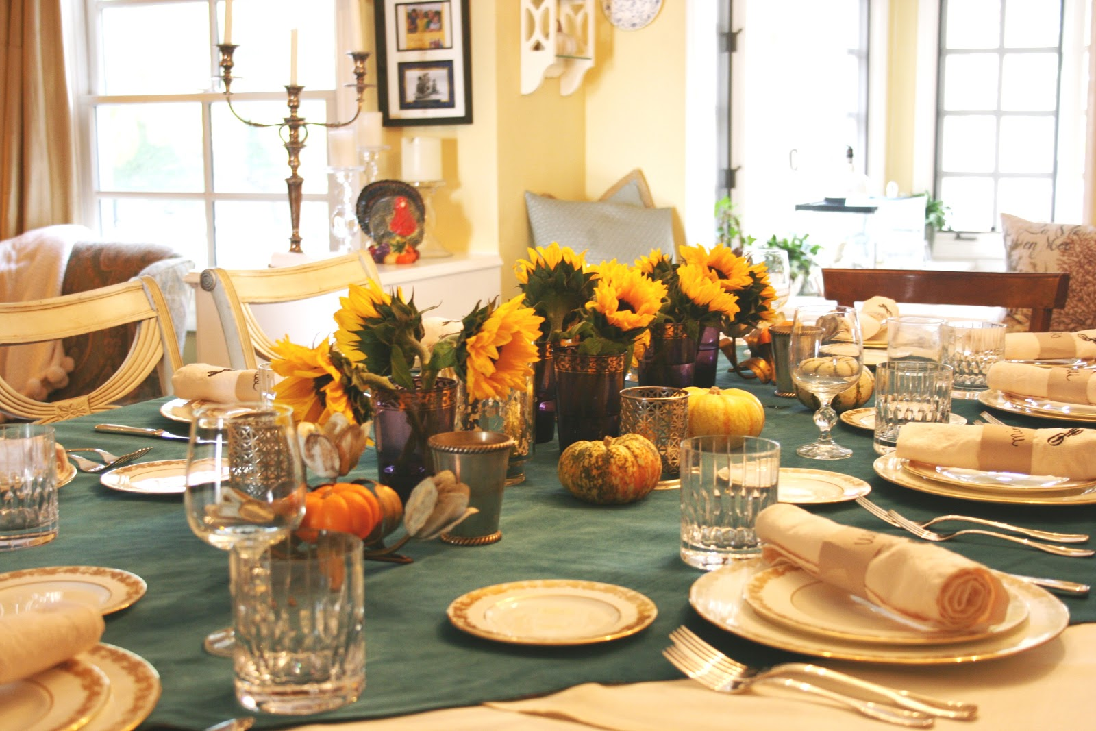 Thanksgiving table decoration ideas 9 interior design for Thanksgiving decorations ideas for office