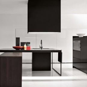 All Black Simple Kitchen  Modern Kitchens From Elmar Cucine  Image  2