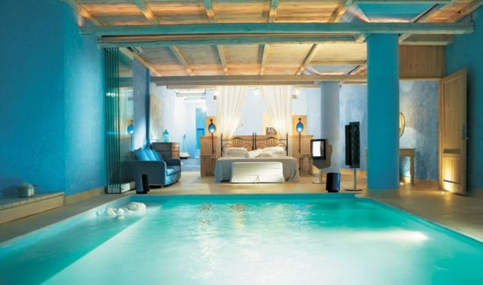 Stunning breath taking interior design bedroom with pool delikatissen.com