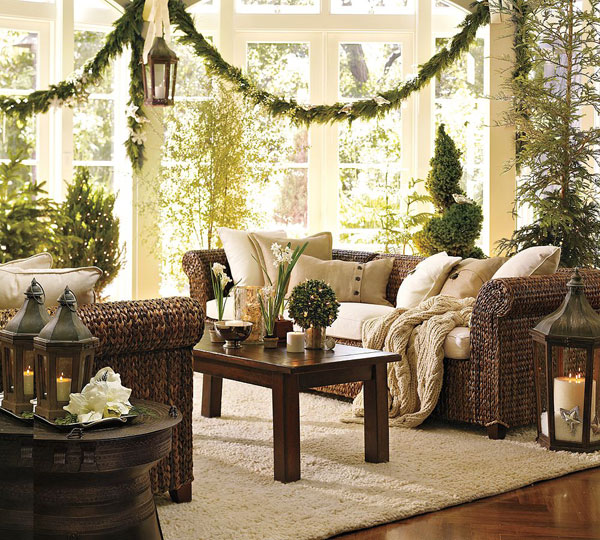 The Christmas Spirit into Your Living Room With Simple Decoration ...