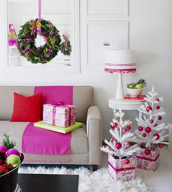 Christmas living room 9 33 christmas decorations ideas for Christmas spirit ideas
