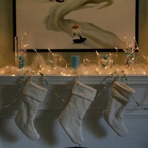 Christmas Mantel Lights Decorations 26 Christmas Decorating Ideas for Your Home Image 11