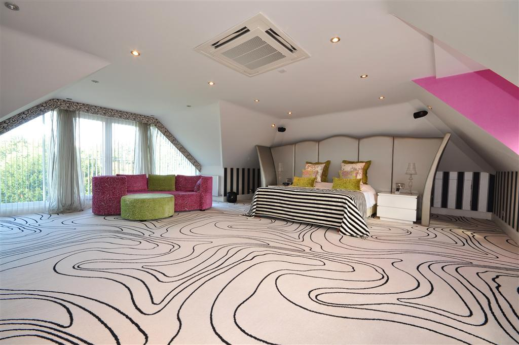 20 Funky Bedroom Designs