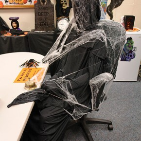 20 Halloween office theme ideas