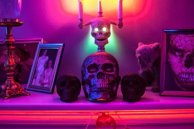 20 Halloween Candle Holder Mantel Ideas
