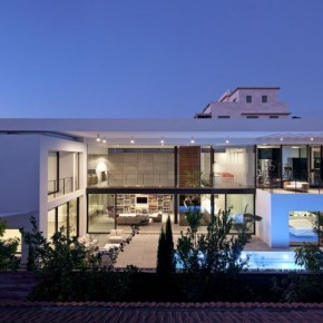 Haifa House Designed by Pitsou Kedem Architects