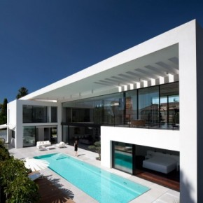 Hh 221111 03 630x405 Haifa House by Pitsou Kedem Architects Picture 1