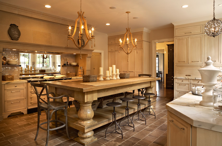 20 Chandelier Ideas for the Kitchen