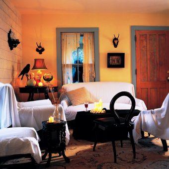 20 Halloween Living Room Ideas