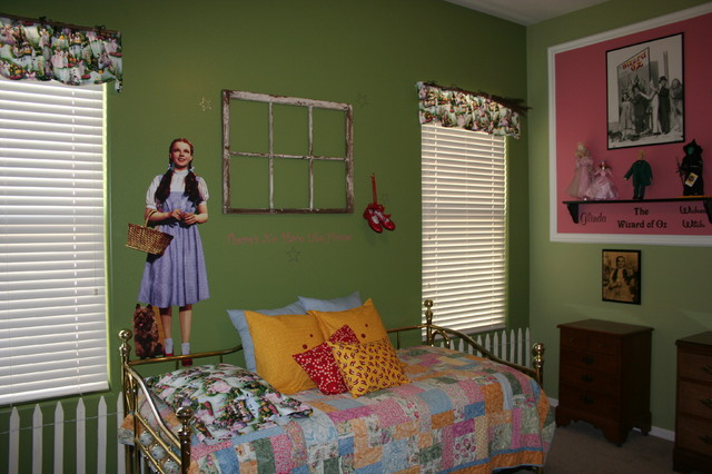 Traditional bedroom inspired by the Wizard of Oz unique-baby-gear-ideas.com
