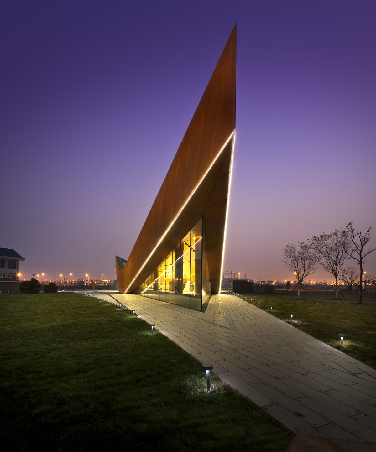 Cool Vanke Triple V Gallery in China