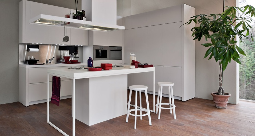 White Smaller Kitchen Modern Kitchens From Elmar Cucine